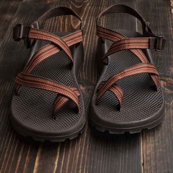 2cdecae14f8 Chaco Other - Men s Chaco Z2 Unaweep Sandals - Size 11 (Brown)